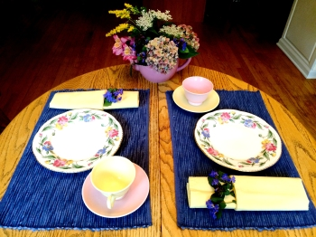 Table Artistry Jan Parmelee 'Tea for Two' Hydrangeas Goldenrod Queen Anne's Lace Plumbago Alstroemeria
